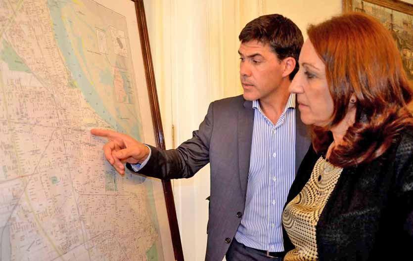 Planificando. Ramos analiza junto a Fein el posible recorrido del metro.