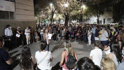 Una protesta de padres en favor de las clases presenciales, días atrás. El diputado Angelini presentó un amparo en ese sentido.
