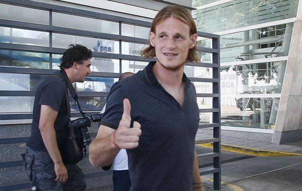 En San Lorenzo. Cetto tiene contrato hasta junio próximo.