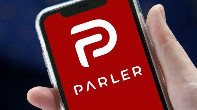 Parler se volvió la receptora de los expulsados de Twitter y Facebook.