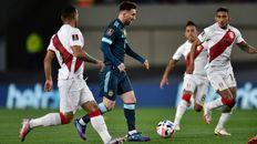Messi tuvo un tiro libre pero Gallese se la atajó.