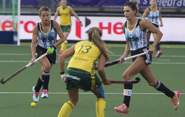 Ni se despeinaron Las Leonas para vencer a Sudáfrica en el debut.