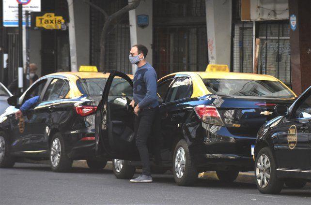 El sindicato de peones de taxis elevó el proyecto del uso de uniformes para todos los choferes a la secretaria de Transporte