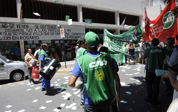 Trabajadores de Pami vienen movilizándose y denunciando por la privatización del servicio de ambulancias. (Foto: M.Sarlo)
