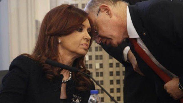 La ex presidenta Cristina Fernández junto al fallecido ex canciller Héctor Timmerman.