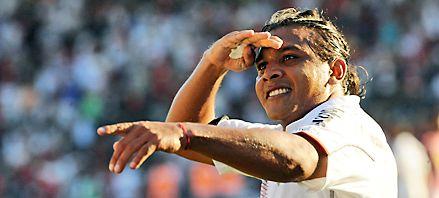 Newells goleó a Chacarita y comenzó a vivir la vigilia del derby con una sonrisa
