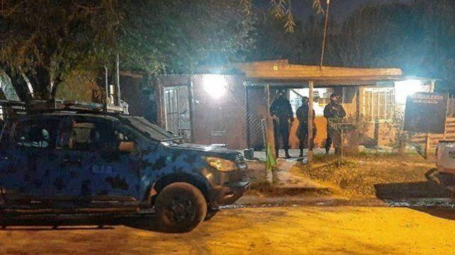 En los operativos realizados en los barrios Fuerza Aérea y La Floresta de la capital de Entre Ríos la policía detuvo a dos personas. (Foto: Uno Entre Ríos)