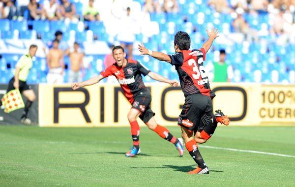 Nacho festeja el gol ante Godoy Cruz