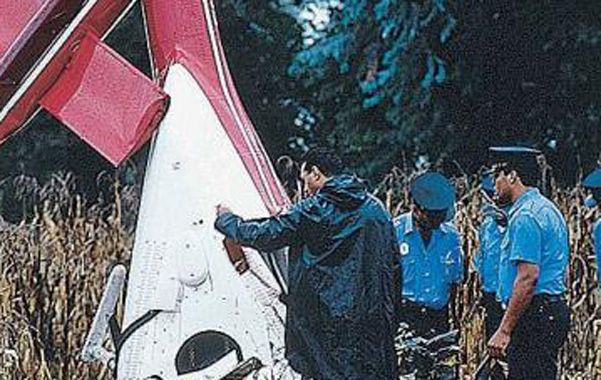 Tragedia. El helicóptero que piloteaba Carlitos cayó cerca de Ramallo.