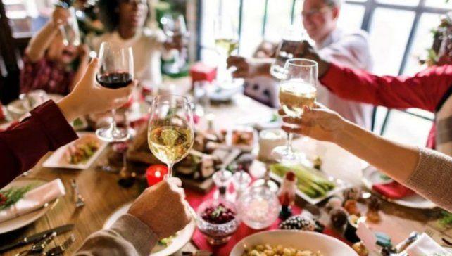 La reunión familiar en la Nochebuena se una de las grandes preocupaciones de los sanitaristas por el riesgo de contagios de coronavirus.