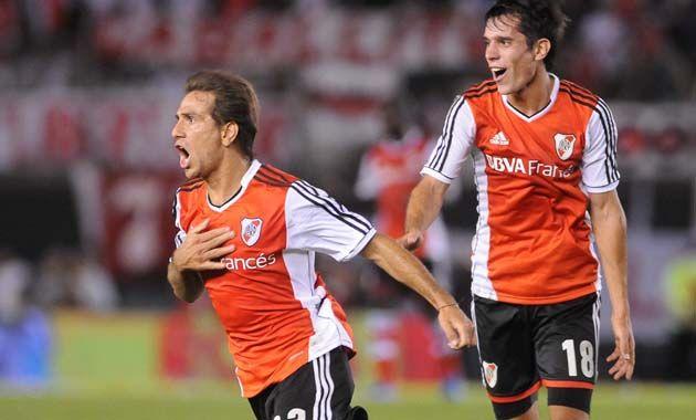 River renovó el aire y arrancó el torneo ganando con un gol de Ponzio.