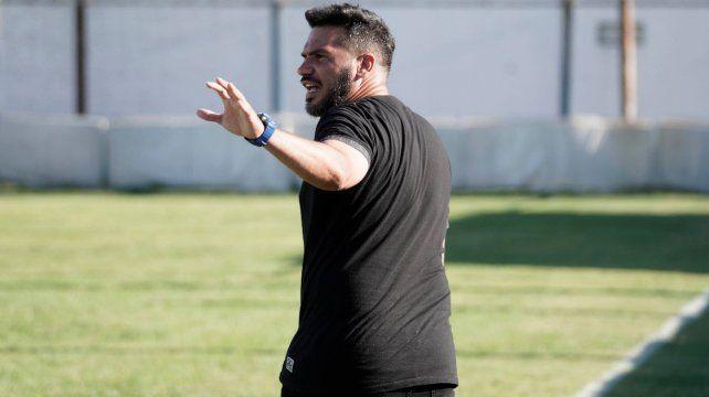 Damián Sciretta dirigió en Argentino durante 18 meses y dejó el cargo ante la incertidumbre del inicio de la D. El ex DT salaíto dijo que espera volver algún día.