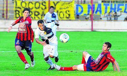 2012/13. Córdoba Central 1-2. Pezzuti; Lazo, Talamonti, Casteglione y Rivarola; Fernando Enrique (56