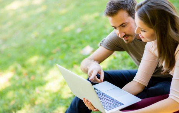 Las parejas online tienen menos probabilidades de divorcio que las que se conocen por otras vías.