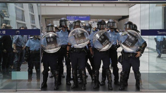 represión. La policía impidió esta vez el cierre del aeropuerto local.