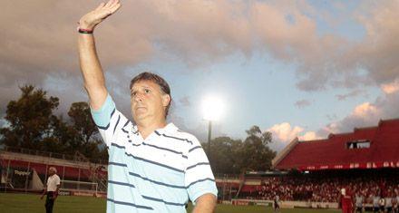 Emocionante debut del Tata Martino como técnico de Newells en el Coloso