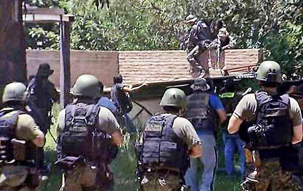 Fuerzas de seguridad allanaron un aserradero fuertemente pertrechados