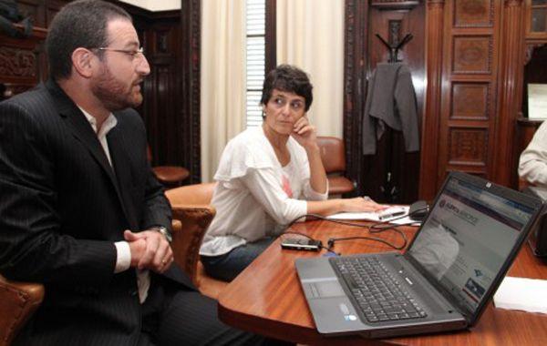 Los concejales kirchneristas Roberto Sukreman y Norma López aseguran que abrir fiscalías en los Centros de Distrito agilizará la Justicia.
