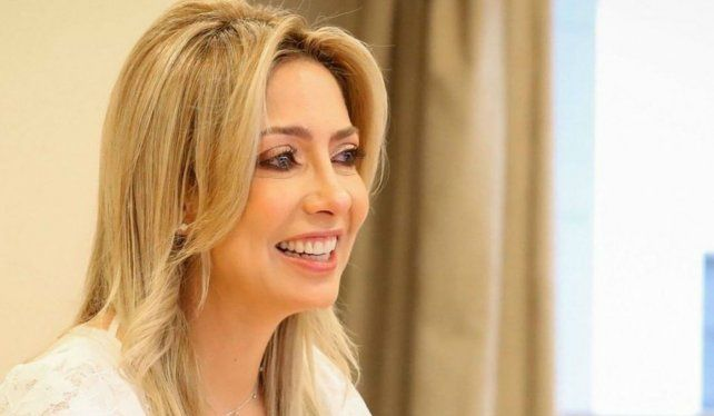 Ciberacoso: le modificaron datos y agraviaron a la primera dama Fabiola Yáñez en Wikipedia y Wikidata