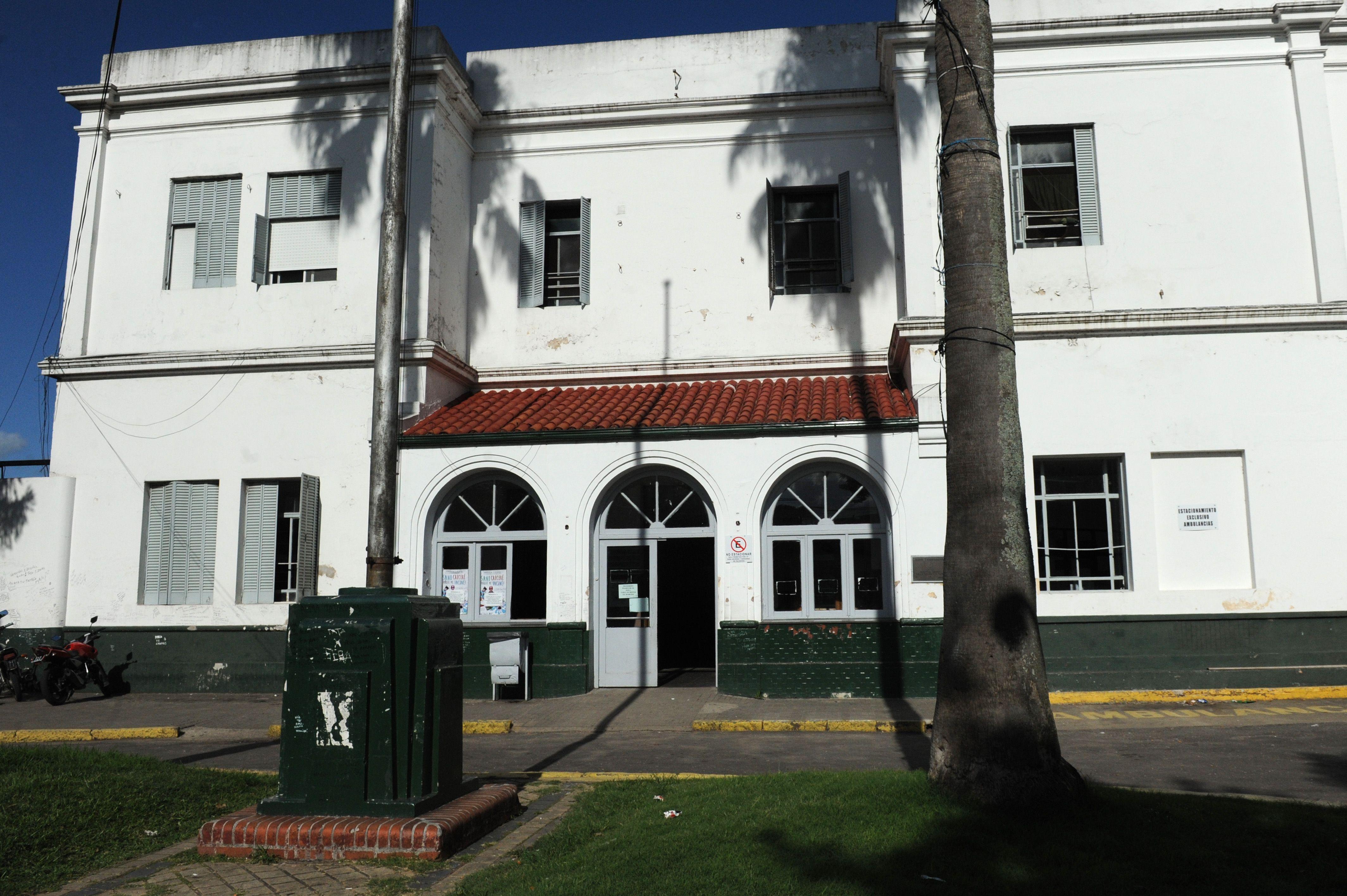 El agresor fue identificado por las cámaras del hospital Sáenz Peña.