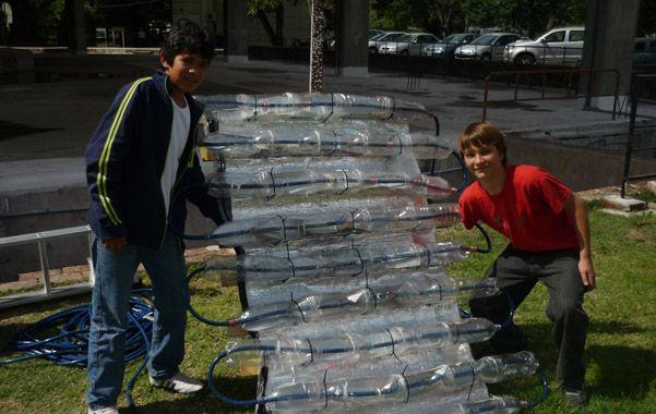 La fuerza del sol. Junto con materiales reciclados
