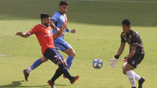 No pudo ser. Independiente perdió un partidazo ante Arsenal por 4 a 3