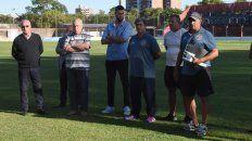 Todos unidos. La comisión directiva y el técnico Marcelo Vaquero serán los encargados de armar el equipo para disputar el torneo de la Primera C.