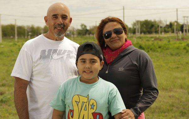 Mario Moscatello y su familia avanzan con su casa en la zona norte de la ciudad.