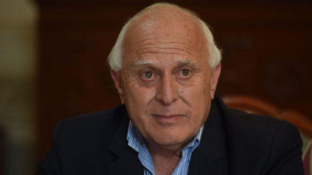 El ex gobernador Miguel Lifschitz se encuentra internado en un sanatorio del centro rosarino.