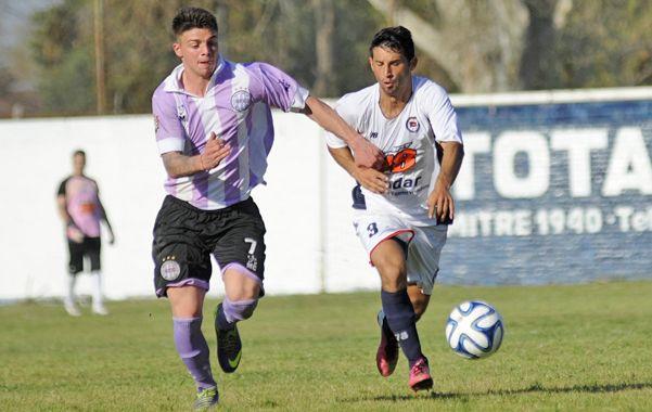 Goleador. Daian Vocos marcó el transitorio empate del charrúa en Villa Soldati.