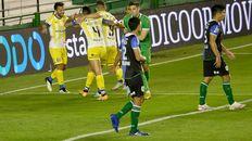 Gritalo canalla. Central festeja el empate de su goleador, Marco Ruben.