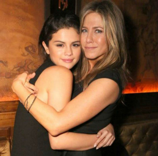 Jennifer Aniston visitó a Selena Gómez en un centro de rehabilitación