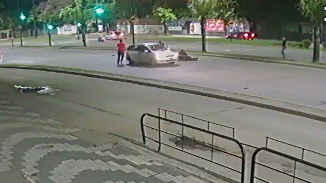 La Fiscalía busca al conductor de este vehículo como testigo del siniestro en el que murió Di Fazio.