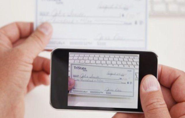 Desde el mes de marzo -esto es el inicio operativo del Echeq- se negociaron cheques electrónicos por 60.000 millones de pesos a partir de 65.894 instrumentos operados.