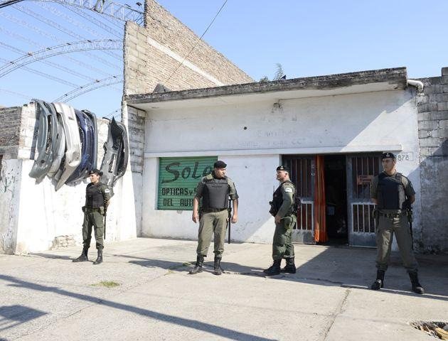 En total fueron 23 los allanamientos realizados en Rosario y la zona. (Foto: S. Salinas)
