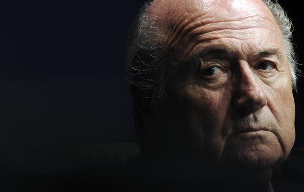 Blatter renunció a su cargo de manera sorpresiva a la Fifa y ahora afirman que la Justicia estadounidense lo tiene en la mira.