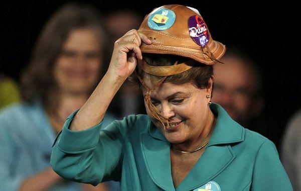 En campaña. Rousseff tiene una ínfima diferencia según la última encuesta.