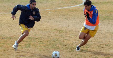 Méndez y Danelón hicieron fútbol y el plantel piensa en Belgrano