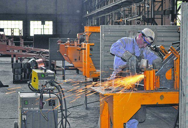 Afectada. La producción industrial tuvo un año para el olvido. Los indicadores mostraron caídas recurrentes en un sector afectado por la apertura de la importación.