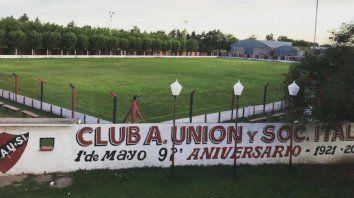 El Angel Moscoloni. el estadio donde los rojinegros juegan los torneos de la Asociación Rosarina de Fútbol. Hoy la entidad de Alvarez cumple 100 años de vida.