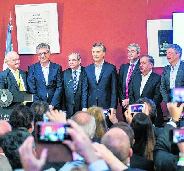 presentación. Macri y parte de su gabinete sellaron el acuerdo esta semana.