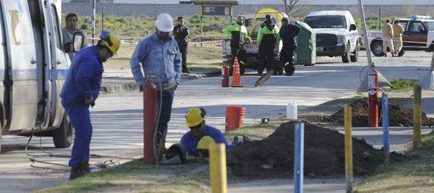 La rotura fue producida por una máquina retroexcavadora perteneciente a una empresa contratista de Aguas Santafesinas. (Foto:archivo)