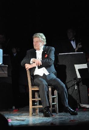 Una cálida y emotiva despedida a Mariano Mores en el teatro Niní Marshall de Tigre