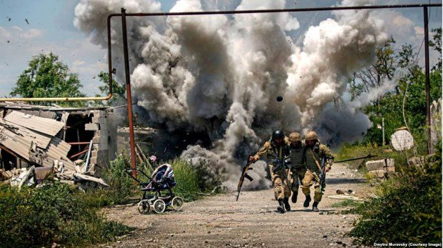 Los brutales combates entre el ejército ucraniano y el ruso en 2014. Rusia entró en operaciones para salvar a los rebeldes prorrusos del este ucraniano.
