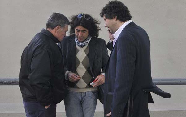 Baldazo de agua fria. Alberto Perassi y sus abogados Ruiz y Ferrara.
