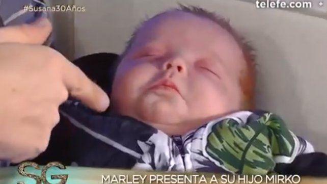 Marley volvió al país con su hijo Mirko y lo presentó junto a Susana