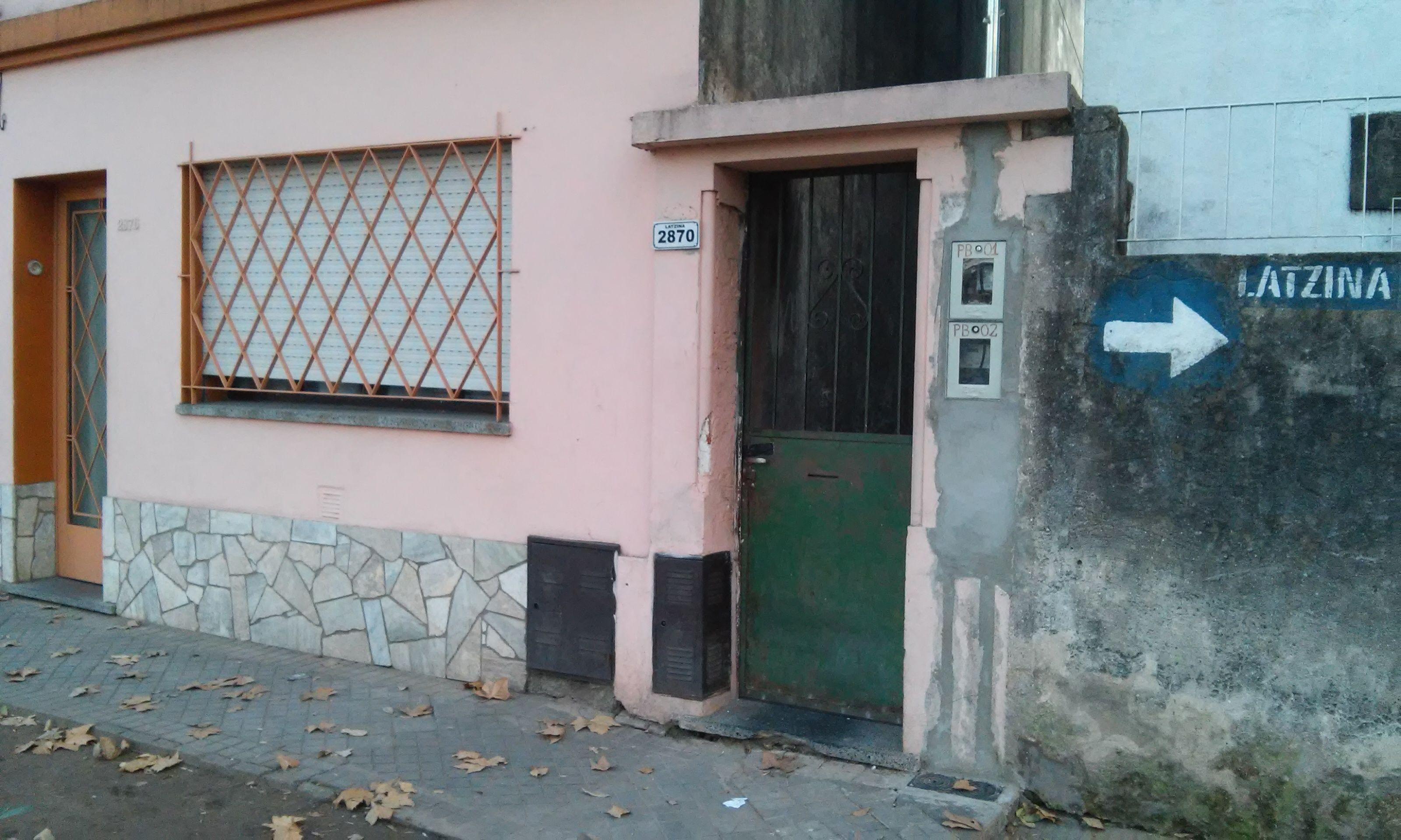 El frente de la vivienda donde ocurrió el violento asalto. (Foto: Sebastián S. Meccia.)