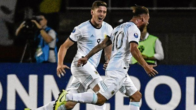 A grito pelado. Alexis Mac Allister marcó el transitorio empate ante Colombia.