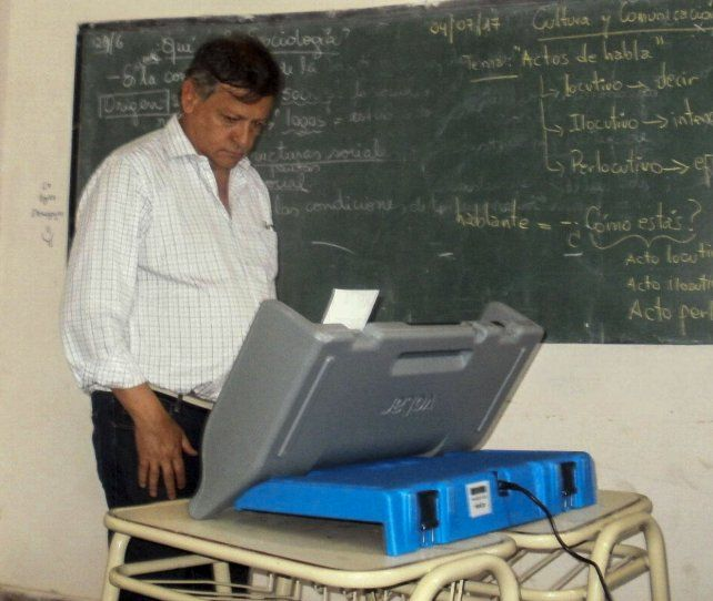 El voto del gobernador Peppo.