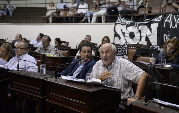 La llave. La suba de la tasa general de inmuebles contó con el voto de ediles opositores como Roberto Sukerman y Héctor Cavallero.